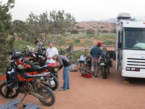 Mosko-Moto-Motorcycle-Soft-Bags-Dualsport-Offroad-Luggage-Soft-Luggage-Pannier-Duffle-Saddlebag--KTM---BMW-5-11-14-(18)