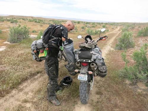 Mosko-Moto-Motorcycle-Soft-Bags-Dualsport-Offroad-Luggage-Soft-Luggage-Pannier-Duffle-Saddlebag--KTM---BMW-5-11-14-(8)