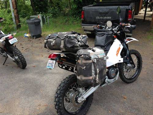 Mosko-Moto-Motorcycle-Soft-Bags-Dualsport-Offroad-Luggage-Soft-Luggage-Pannier-Duffle-Saddlebag--KTM---BMW---Rackless---Reckless---6-7-14-(1)