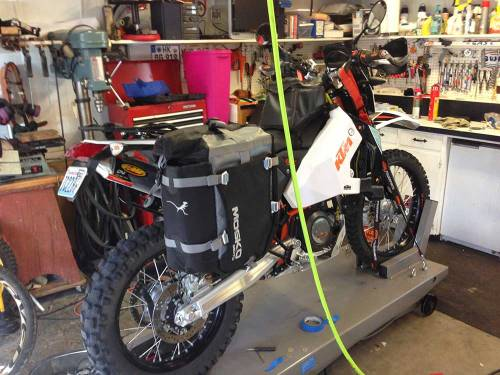 Mosko-Moto-Motorcycle-Soft-Bags-Dualsport-Offroad-Luggage-Soft-Luggage-Pannier-Duffle-Saddlebag--KTM---BMW---Rackless---Reckless---7-02-14-(9)