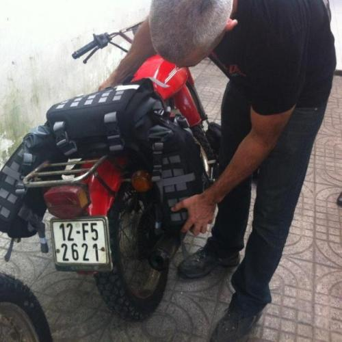 2 mosko-moto-motorcycle-soft-bags-dualsport-offroad-luggage-soft-luggage-pannier-duffle-11