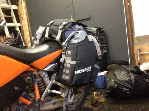 Mosko-Moto-Motorcycle-Soft-Bags-Dualsport-Offroad-Luggage-Soft Luggage-Pannier-Duffle-Saddlebag- KTM - BMW - KLR - Rackless - Reckless - Tank Bag - 3-3-14 (11)