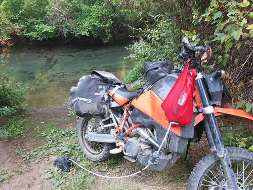 Mosko-Moto-Motorcycle-Soft-Bags-Dualsport-Offroad-Adventure--Soft-Luggage--Pannier-Duffle---KTM---BMW---KLR---Rackless---Reckless---Tank-Bag---Adventure-Jacket---Pants---Jersey-8-26-15-(12)