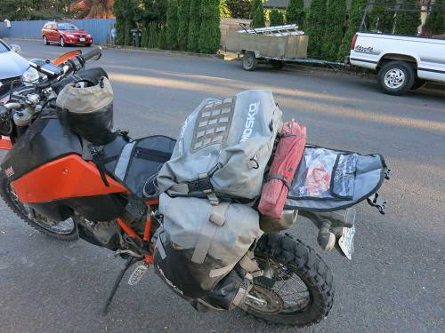 Mosko-Moto-Motorcycle-Soft-Bags-Dualsport-Offroad-Adventure--Soft-Luggage--Pannier-Duffle---KTM---BMW---KLR---Rackless---Reckless---Tank-Bag---Adventure-Jacket---Pants---Jersey-8-26-15-(18)