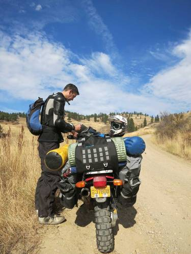 Mosko-Moto-Motorcycle-Soft-Bags-Dualsport-Offroad-Adventure-Soft-Luggage-Pannier-Duffle-KTM-BMW-KLR-Rackless-Reckless-Tank-Bag-Adventure-Jacket-Pants-Jersey-10-22-15-(52)