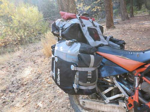 Mosko-Moto-Motorcycle-Soft-Bags-Dualsport-Offroad-Adventure-Soft-Luggage-Pannier-Duffle-KTM-BMW-KLR-Rackless-Reckless-Tank-Bag-Adventure-Jacket-Pants-Jersey-10-22-15-(60)