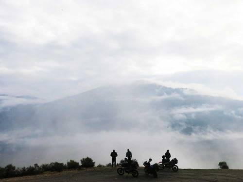 Mosko-Moto-Motorcycle-Soft-Bags-Dualsport-Offroad-Adventure-Soft-Luggage-Pannier-Duffle-KTM-BMW-KLR-Rackless-Reckless-Tank-Bag-Adventure-Jacket-Pants-Jersey-10-22-15-(78)