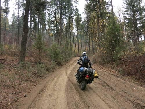 Mosko-Moto-Motorcycle-Soft-Bags-Dualsport-Offroad-Adventure-Soft-Luggage-Pannier-Duffle-KTM-BMW-KLR-Rackless-Reckless-Tank-Bag-Adventure-Jacket-Pants-Jersey-10-22-15-(84)
