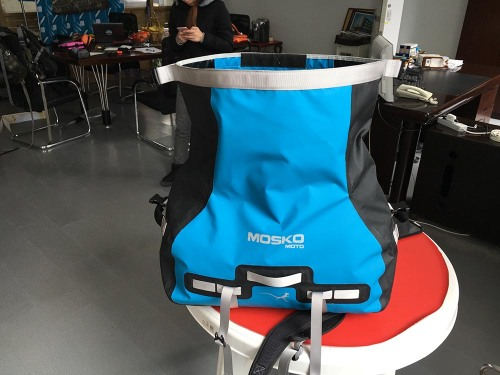 mosko-moto-motorcycle-soft-bags-dualsport-offroad-adventure-soft-luggage-pannier-duffle-ktm-bmw-klr-rackless-reckless-tank-bag-adventure-jacket-pants-jersey-12-19-15 (55)