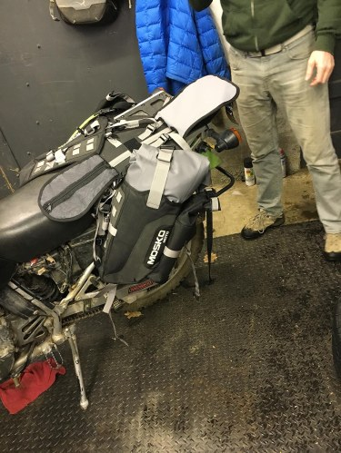 mosko-moto-motorcycle-soft-bags-dualsport-offroad-adventure-soft-luggage-pannier-duffle-ktm-bmw-klr-rackless-reckless-tank-bag-adventure-jacket-pants-jersey-1-6-16 (50)