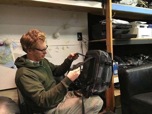 mosko-moto-motorcycle-soft-bags-dualsport-offroad-adventure-soft-luggage-pannier-duffle-ktm-bmw-klr-rackless-reckless-tank-bag-adventure-jacket-pants-jersey-1-6-16 (67)