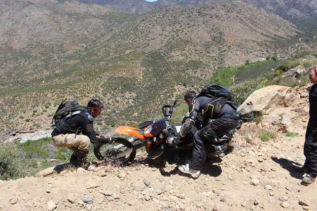 mosko-moto-motorcycle-soft-bags-dualsport-offroad-adventure-soft-luggage-pannier-duffle-ktm-bmw-klr-rackless-reckless-tank-bag-adventure-jacket-pants-jersey-5-24-16 (36)