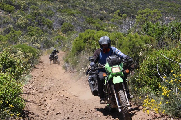 mosko-moto-motorcycle-soft-bags-dualsport-offroad-adventure-soft-luggage-pannier-duffle-ktm-bmw-klr-rackless-reckless-tank-bag-adventure-jacket-pants-jersey-5-24-16 (44)