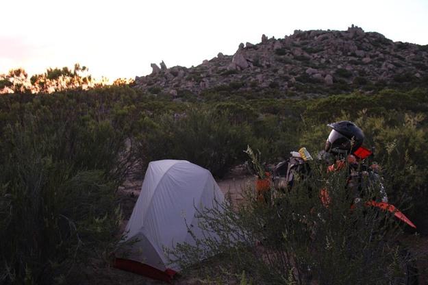 mosko-moto-motorcycle-soft-bags-dualsport-offroad-adventure-soft-luggage-pannier-duffle-ktm-bmw-klr-rackless-reckless-tank-bag-adventure-jacket-pants-jersey-5-24-16 (47)