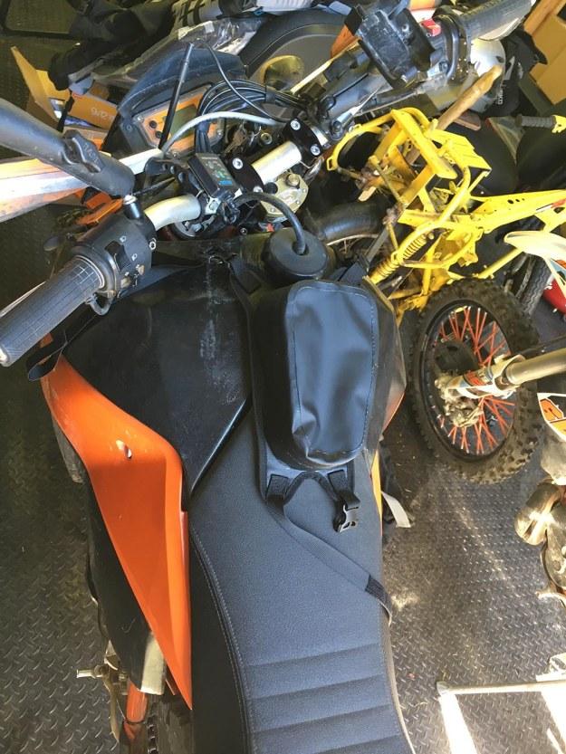 mosko-moto-motorcycle-soft-bags-dualsport-offroad-adventure-soft-luggage-pannier-duffle-ktm-bmw-klr-rackless-reckless-tank-bag-adventure-jacket-pants-jersey-7-29-16 (14)