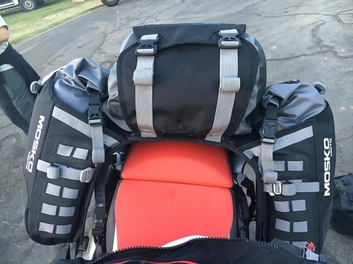 mosko-moto-motorcycle-soft-bags-dualsport-offroad-adventure-soft-luggage-pannier-duffle-ktm-bmw-klr-rackless-reckless-tank-bag-adventure-jacket-pants-jersey-bmw-atacama-10-10-16-10