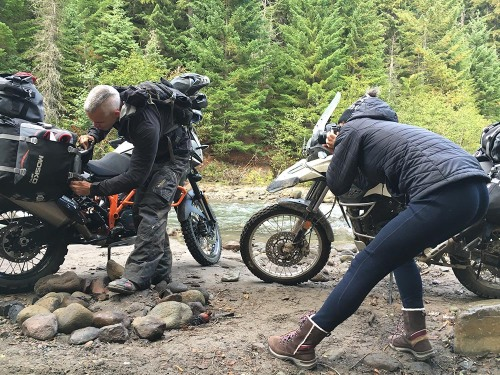 mosko-moto-motorcycle-soft-bags-dualsport-offroad-adventure-soft-luggage-pannier-duffle-ktm-bmw-klr-rackless-reckless-tank-bag-adventure-jacket-pants-jersey-bmw-atacama-10-10-16-25