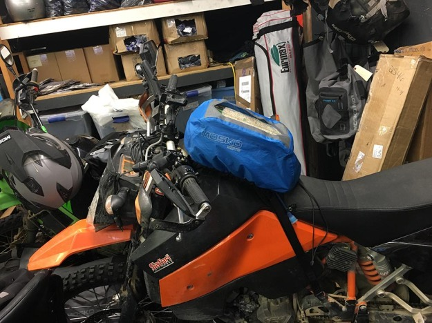 mosko-moto-motorcycle-soft-bags-dualsport-offroad-adventure-soft-luggage-pannier-duffle-ktm-bmw-klr-rackless-reckless-tank-bag-adventure-jacket-pants-jersey-bmw-atacama-12-21-16-28
