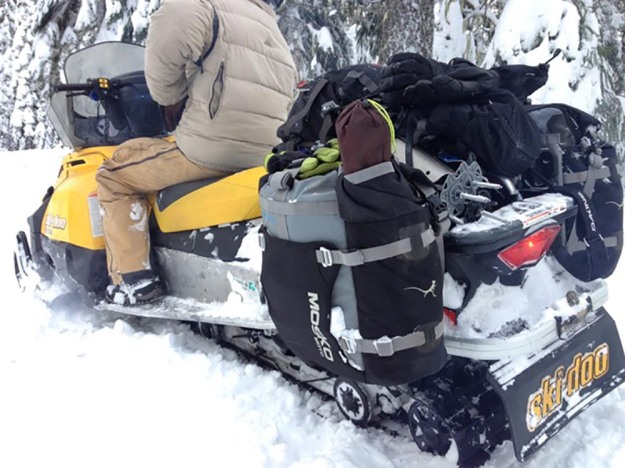 mosko-moto-motorcycle-soft-bags-dualsport-offroad-adventure-soft-luggage-pannier-duffle-ktm-bmw-klr-rackless-reckless-tank-bag-adventure-jacket-pants-jersey-bmw-atacama-1-18-17-79