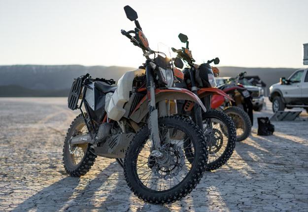 mosko-moto-motorcycle-soft-bags-dualsport-offroad-adventure-soft-luggage-pannier-duffle-ktm-bmw-klr-rackless-reckless-tank-bag-adventure-jacket-pants-jersey-BMW Atacama-UNRally (8)