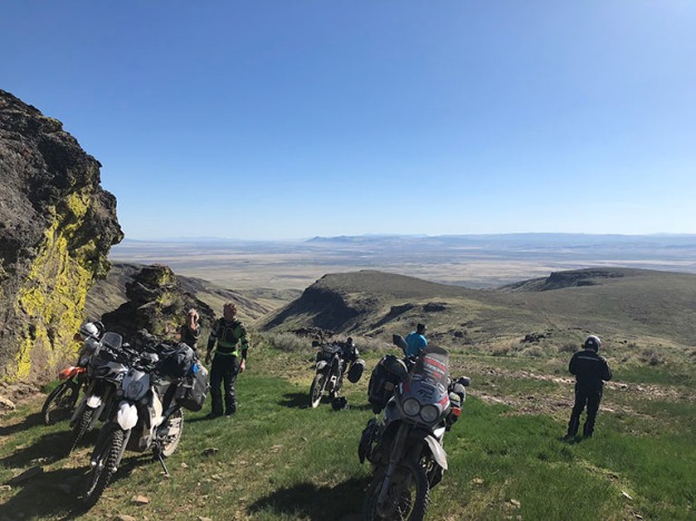 mosko-moto-motorcycle-soft-bags-dualsport-offroad-adventure-soft-luggage-pannier-duffle-ktm-bmw-klr-rackless-reckless-tank-bag-adventure-jacket-pants-jersey-BMW Atacama-5-18-18 ( (55)