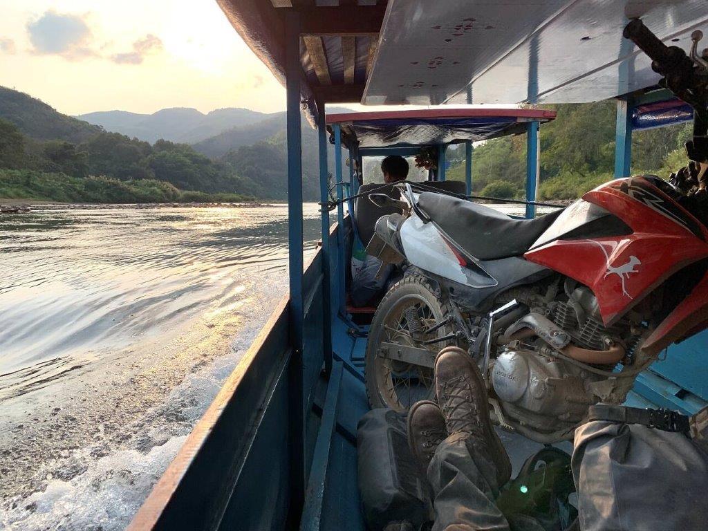 Mosko Moto Pannier Reckless Adventure Bike Motorcycle Luggage Apparel 2-21-20 (17)