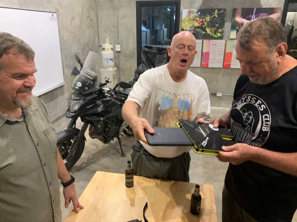 Mosko Moto Pannier Reckless Adventure Bike Motorcycle Luggage Apparel 2-21-20 (28)